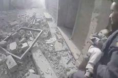 Terkubur di Reruntuhan, Bayi Ini Masih Hidup ketika Diselamatkan