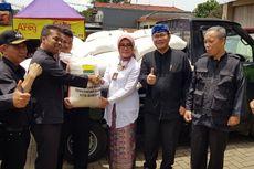 Pemkot Bandung Bagikan 8,7 Ton Beras Premium untuk Korban Banjir Bandang