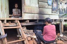 Kisah Nenek 70 Tahun Rawat Putrinya yang Lumpuh dan Tak Bisa Melihat