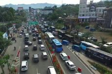 Jalur Menuju Puncak Macet, Antrean di Gerbang Tol Ciawi hingga 1 Km