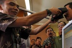 Jelang Pilkada Jatim, Layanan E-KTP Digelar Nonstop di Surabaya