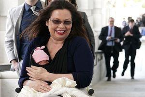 Bayi Usia 10 Hari Ini Torehkan Sejarah di Kongres AS