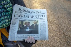 Beredar Koran Washington Post 'Palsu' Klaim Trump Mengundurkan Diri