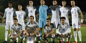 Timnas Inggris, Pelatih dan Pemain Masih Hijau