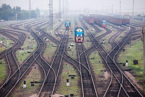Balita di India Diperkosa dan Dibuang di Dekat Rel Kereta Api