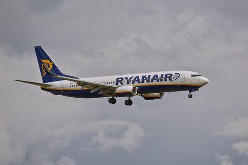 Pesawat Ryanair dan EasyJet Nyaris Bertabrakan di Udara