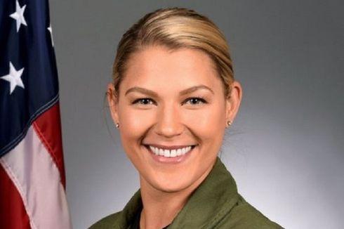 Baru 2 Pekan Menjabat, Komandan Wanita Tim Akrobat F-16 AS Ini Dicopot