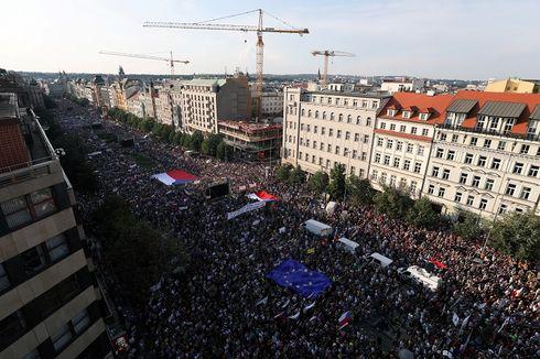 Unjuk Rasa Terbesar sejak Jatuhnya Komunis, Warga Ceko Desak PM Mundur