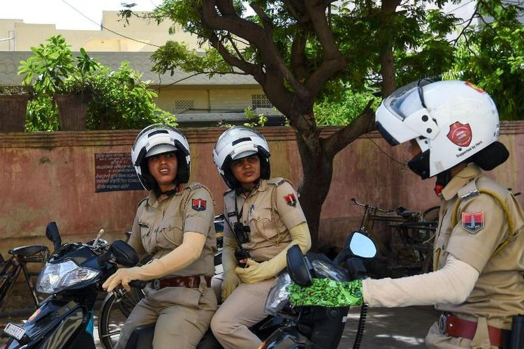 Inilah personel unit baru kepolisian di Kota Jaipur, India yang dibentuk untuk menekan angka kekerasan dan pelecehan seksual terhadap perempuan.