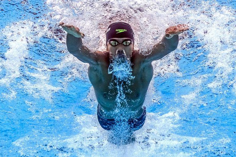 Foto ini diambil dari kamera di bawah air yang memperlihatkan aksi perenang Indonesia, Triady Fauzi Sidiq, dalam kompetisi FINA World Championships nomor gaya ku   pu-kupu putra di Budapest, 28 Juli 2017.