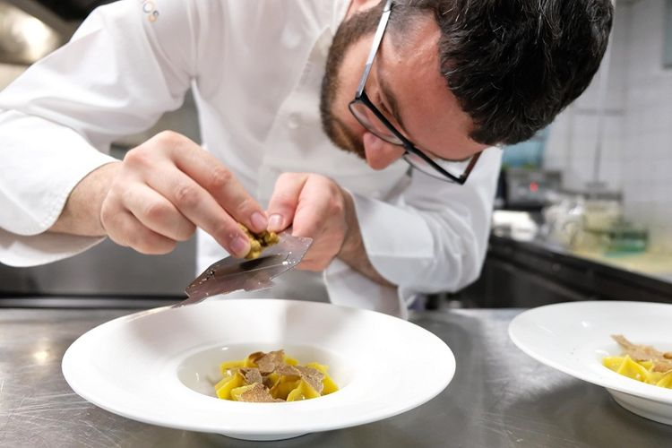 Koki Michelin bintang satu dari Italia, Giuseppe Iannotti.