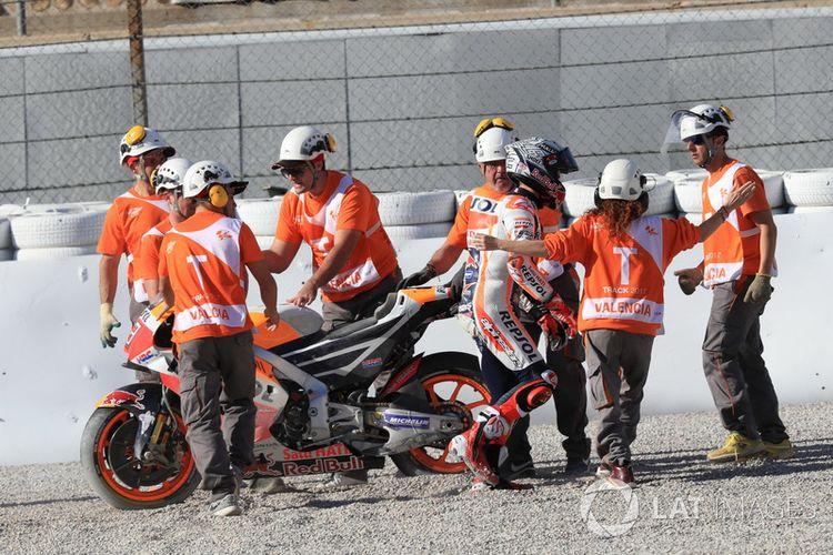 Marquez terjatuh di FP 2 GP Valencia