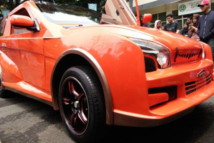Penampilan bagian depan Evhero, mobil listrik karya Institut Teknologi Nasional (Itenas) Bandung.