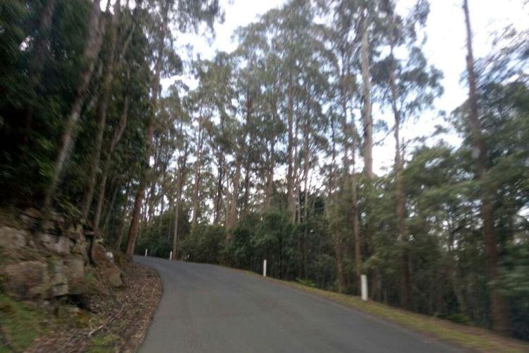 Suasana jalan menuju ke puncak Gunung Wellington, Hobart, Tasmania.