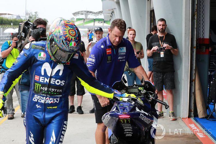 Rossi ketika akan melakukan tes di Sepang.