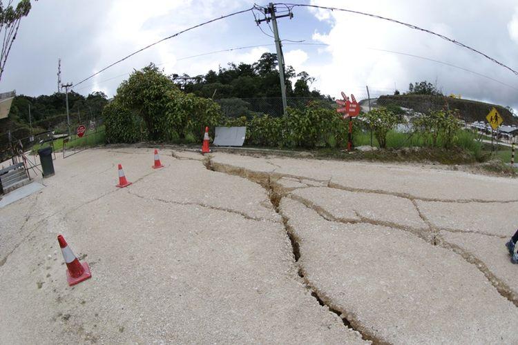 Foto yang dirilis oleh Oil Search Limited menunjukkan kerusakan akibat gempa di Papua Nugini. (AFP/ExxonMobil).