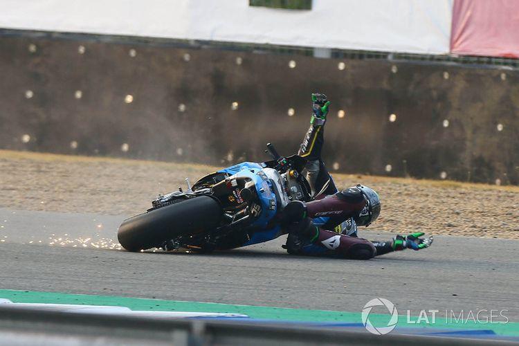 Franco Morbidelli dari tim Estrella Galicia 0,0 Marc VDS yang terjatuh ketika tes di Thailand 2018.