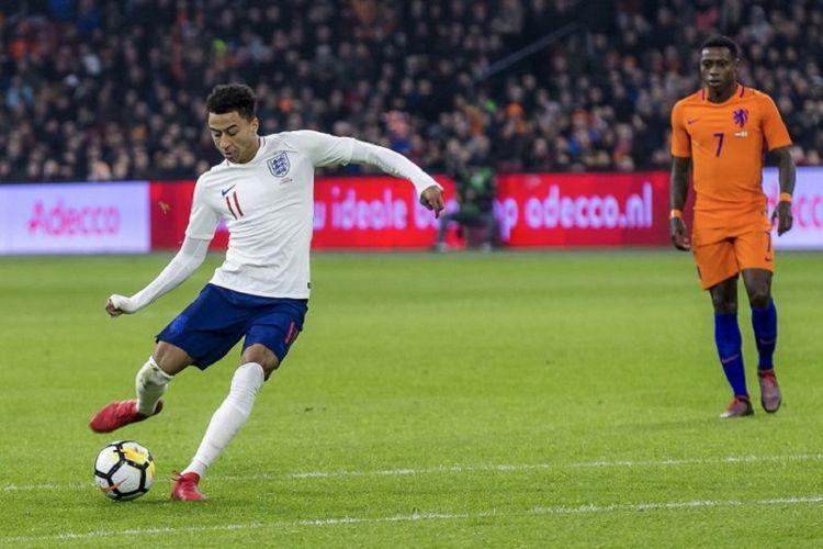 Jesse Lingard menentukan kemenangan timnas Inggris atas Belanda pada laga persahabatan di Stadion Amsterdam Arena, Jumat (23/3/2018).