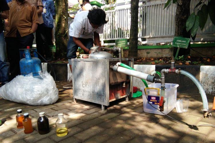 Get Plastic Seri 7, Mesin pengolah sampah plastik menjadi bahan bakar temuan Dimas Agus Wijanarko.