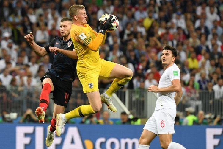Jordan Pickford tampil gemilang dalam laga Kroasia vs Inggris pada babak semifinal Piala Dunia 2018 di Stadion Luzhniki, 11 Juli 2018.