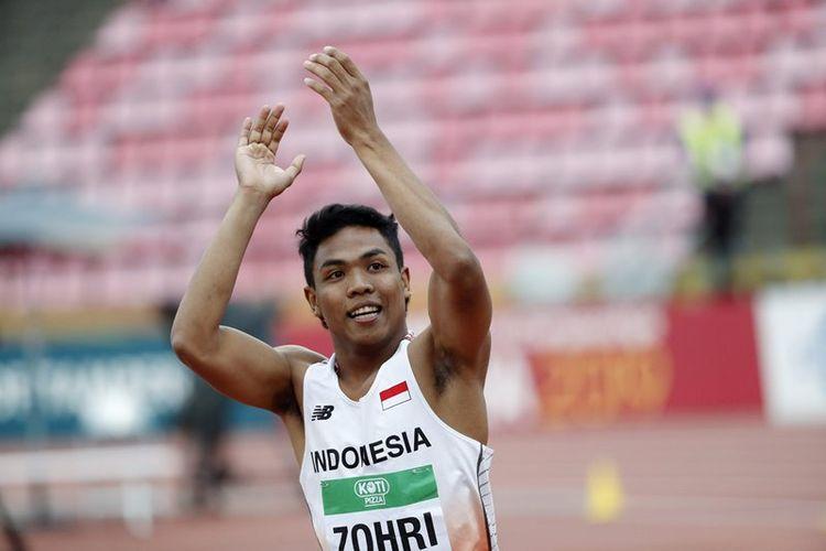Pelari Indonesia Lalu Muhammad Zohri meluapkan kegembiraannya seusai berhasil menjadi yang tercepat pada nomor lari 100 meter pada ajang IAAF World U20 Championships di Tampere, Finlandia, Rabu (11/7). Zohri berhasil meraih medali emas setelah mencatatkan waktu tercepat 10,18 detik, diikuti dua pelari AS Anthony Schwartz (10,22 detik) dan Eric Harrison (10,22 detik). Sepanjang sejarah penyelenggaraan IAAF World U20 Championships selama 32 tahun, penampilan terbaik atlet Indonesia yaitu finis posisi ke-8 sesi heats nomor lari 100m pada tahun 1986.