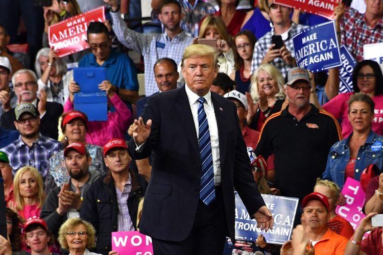 Presiden AS Donald Trump di hadapan pendukungnya di Billings, Montana.