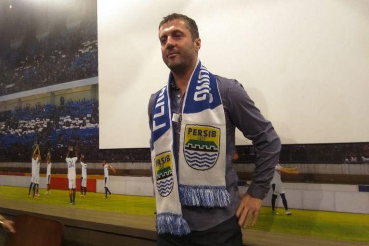Pelatih Persib Bandung Miljan Radovic saat ditemui di Graha Persib, Jalan Sulanjana, Rabu (9/1/2019).