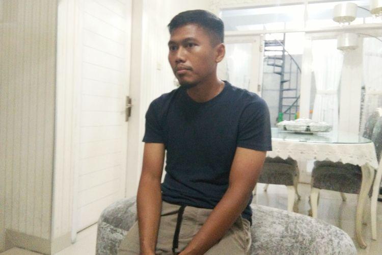 Mantan pemain Persib Bandung Tony Sucipto saat ditemui wartawan di kediamannya di kawasan Antapani, Kota Bandung, Jumat (11/1/2019).