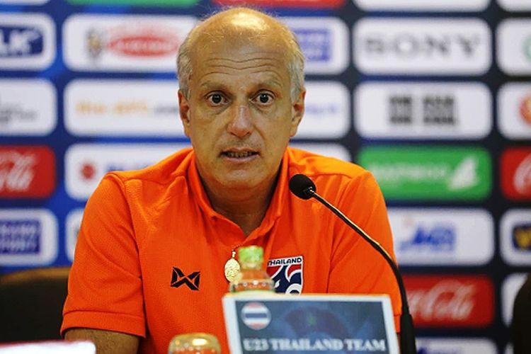 Pelatih tim nasional U-23 Thailand, Alexandre Gama.