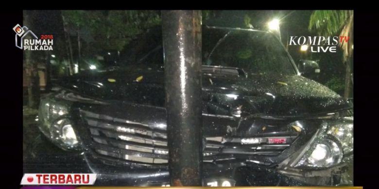 Diduga mobil Ketua DPR RI Setya Novanto menabrak tiang listrik, Kamis (16/11/2017) malam.