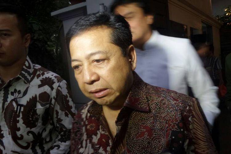 Ketua Umum Partai Golkar Setya Novanto saat ditemui pada acara buka bersama di kediaman Wakil Ketua Dewan Kehormatan Partai Golkar Akbar Tandjung di Purnawarman, Jakarta Selatan, Sabtu (3/6/2017).