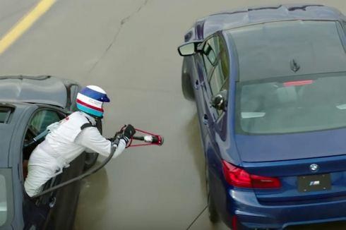 """Ekstrem, BMW Isi Bensin M5 Sambil """"Nge-drift"""" (Video)"""