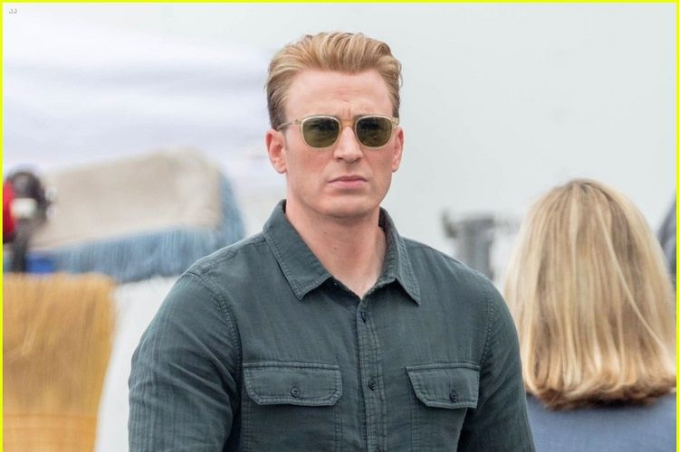 Chris Evans yang berperan sebagai Steve Rogers aliias Captain America dalam Avenngers 4.
