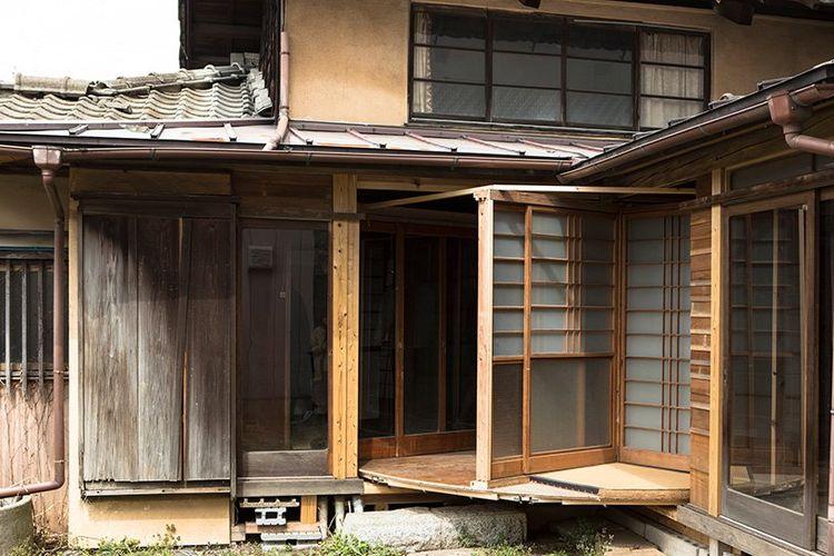 Rumah unik Mochida Atsuko yang dibuat dengan menambahkan struktur lingkaran. Struktur ini dapat berpuptar 360 derajat.