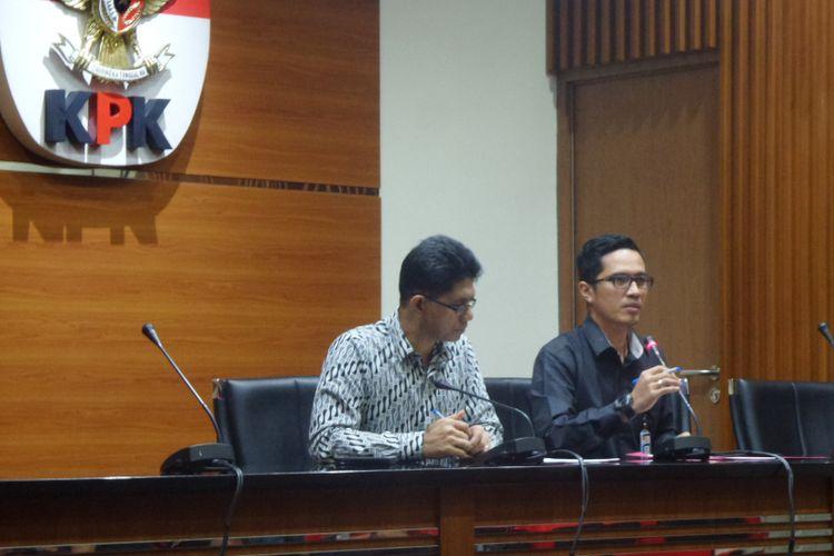 Wakil Ketua KPK Laode Muhammad Syarief dan Juru Bicara KPK Febri Diansyah dalam jumpa pers di Gedung KPK Jakarta, Rabu (2/8/2017).