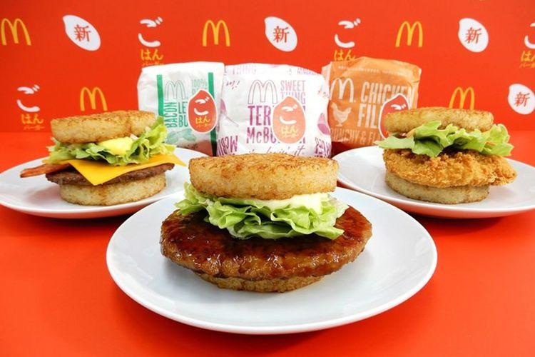 McDonalds Jepang memperkenalkan tiga burger utamanya. Tapi, bukan dengan roti, melainkan dengan nasi!