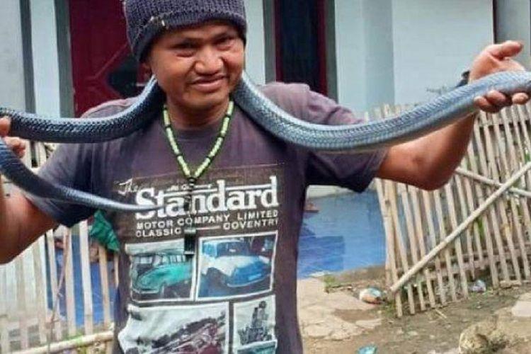 Jana, warga Kutawaringin, Kabupaten Bandung, Jawa Barat, tewas dililit ular sanca peliharaannya.