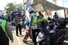 Polisi Amankan 4 Tukang Parkir Liar karena Memakai Badan Jalan