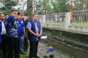 SBY Instruksikan Semua Atribut Demokrat di Pekanbaru Diturunkan