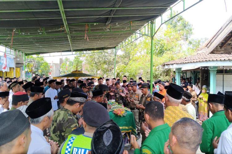 Tertabrak Kereta, Sopir Wakil Ketua DPRD Kendal Akhirnya Meninggal