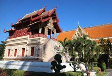 Jangan Lakukan 6 Hal Ini Saat Berkunjung ke Kuil Thailand