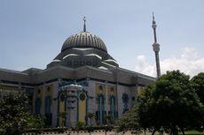 Pucuk Menara Masjid JIC Selesai Diperbaiki Setelah Setahun Miring