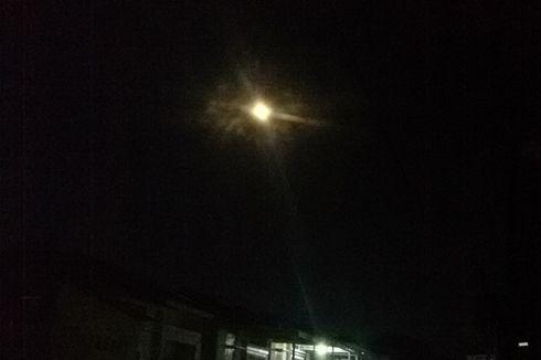 Supermoon Terlihat Jelas di Langit Pangkal Pinang