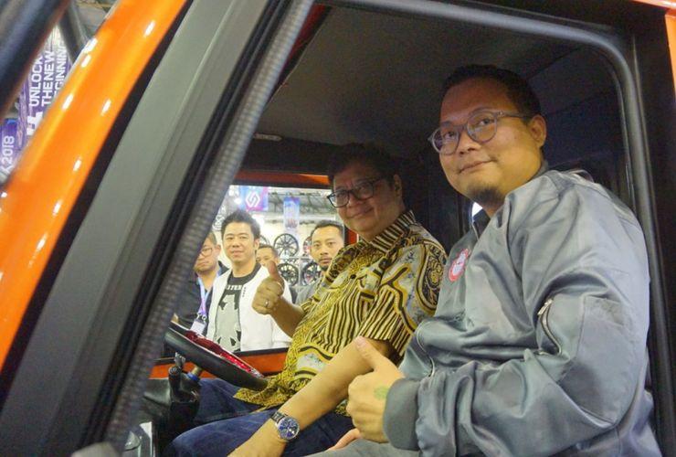 Angkutan Perdesaan Versi Modifikasi Bikin Menteri Ini Terkesima