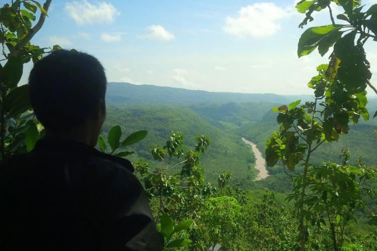 pegunungan karst gunungsewu Gunungkidul, dilihat dari sekitar Perbatasan kecamatan Panggang-Playen