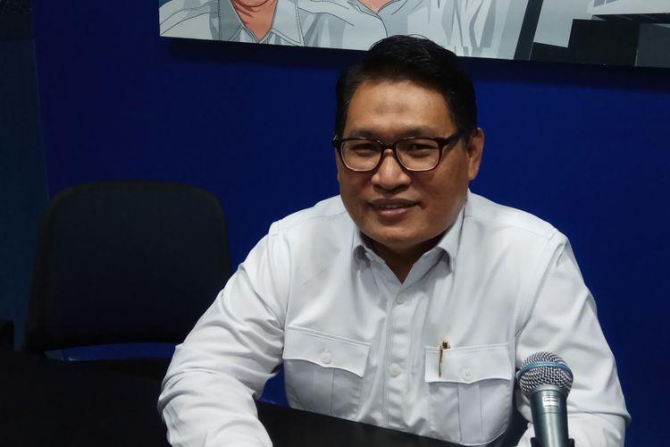 Ketua Lembaga Perlindungan Saksi dan Korban (LPSK) Abdul Haris Semendawai Ketika Ditemui di Kantornya, Jakarta, Selasa (15/8/2017).