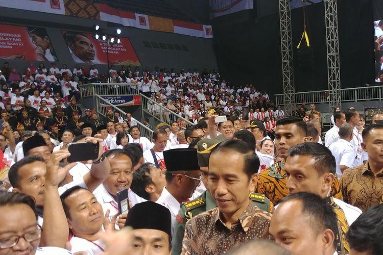 Presiden Joko Widodo menghadiri Rakernas III Projo, di Jakarta, Senin (4/9/2017)