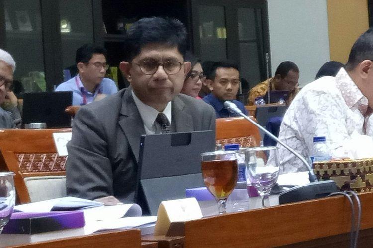 Wakil Ketua KPK Laode M. Syarief dalam Rapat Kerja bersama Komisi III di Kompleks Parlemen, Senayan, Jakarta, Senin (11/9/2017)