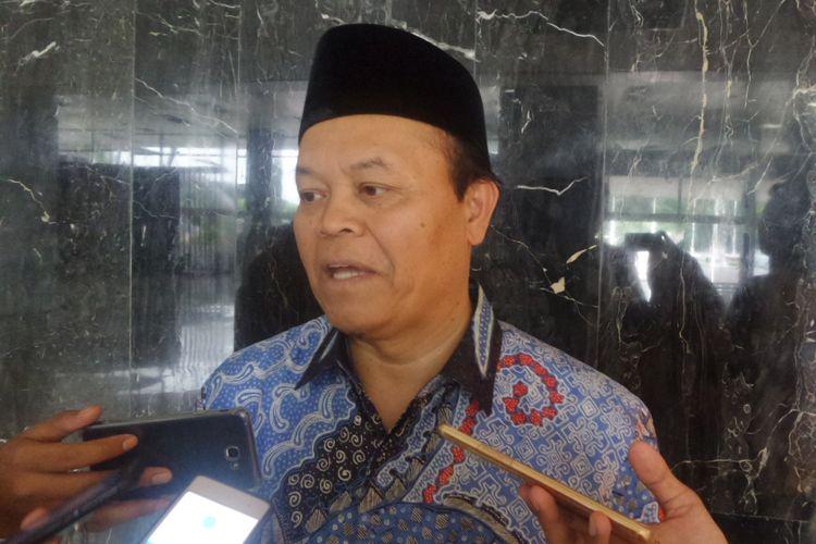 Wakil Ketua MPR RI Hidayat Nur Wahid di Kompleks Parlemen, Senayan, Jakarta, Jumat (13/10/2017).