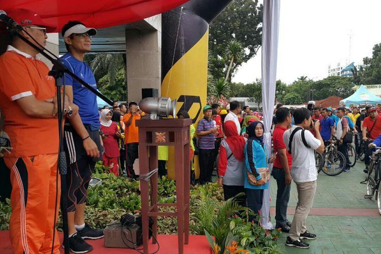 Wakil Gubernur DKI Jakarta, Sandiaga S Uno melepas para peserta CFD JLNT Antasari.